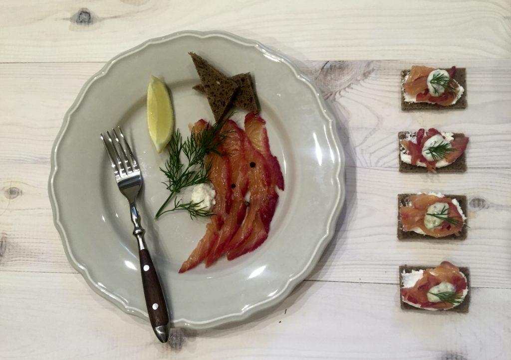 gravlax w formie sashimi